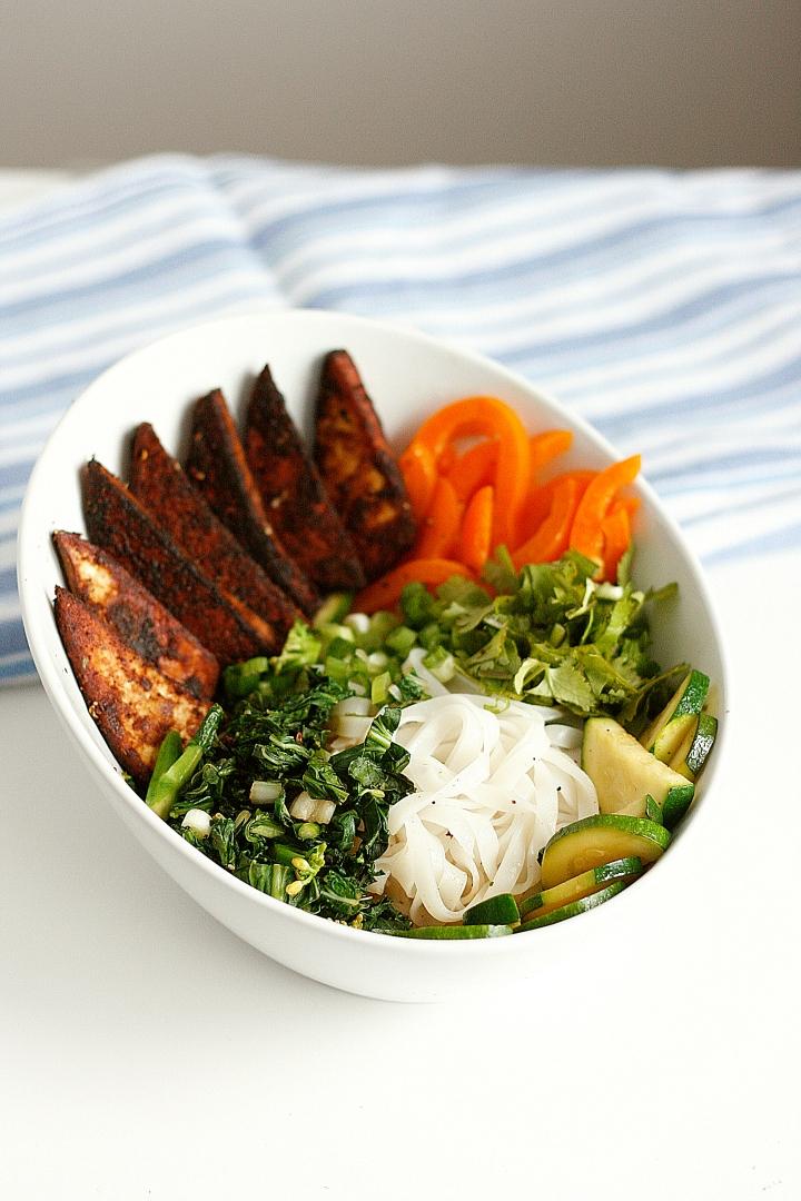 veggie_asian_noodle_bowl_vegan2