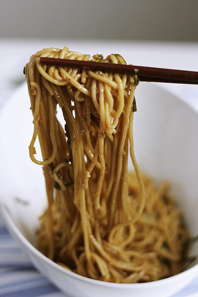 Ginger-scallion-noodles-lift.jpg