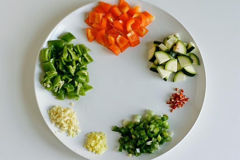three-pepper-chicken-ingredients